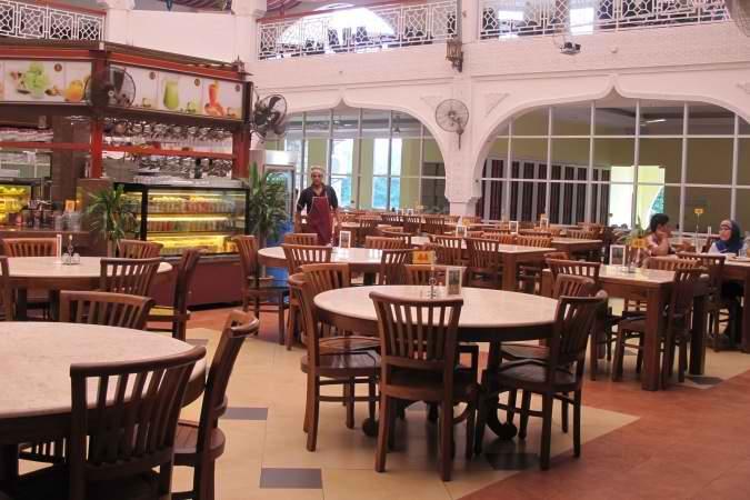 restaurants furniture Al Rawsha Restaurant CONCORDE CHAIR - KOPITIAM DINING TABLE