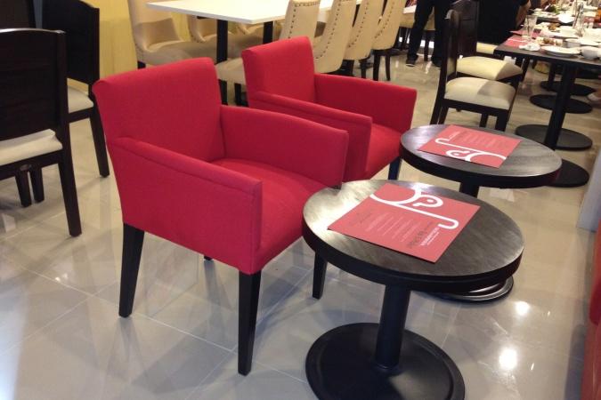 restaurants furniture Duck N Such TRINITY CHAIR - BAHAMAS ROUND TABLE