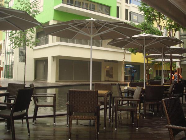 restaurants furniture Overseas Cafe HAWAII ARM CHAIR - HAWAII TEAKTOP TABLE