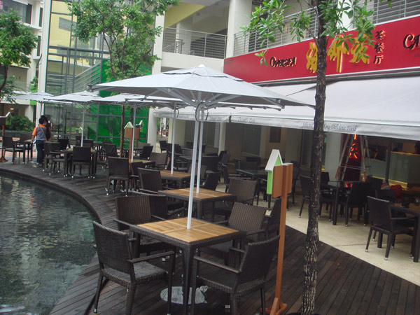 restaurants furniture Overseas Cafe HAWAII TEAKTOP TABLE - HAWAII ARM CHAIR