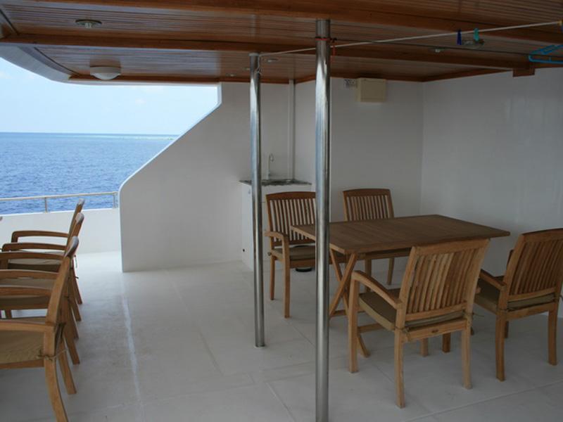cruise ships furniture Cruise Ship Aurora FLORENCE FOLDING TABLE - MILAN STACKING CHAIR