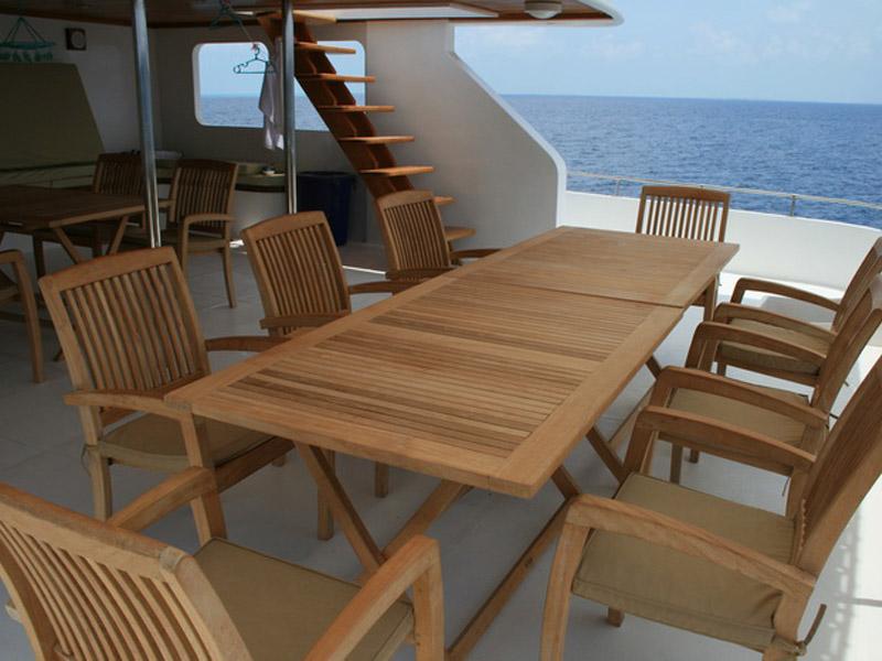 cruise ships furniture Cruise Ship Aurora MILAN STACKING CHAIR - FLORENCE FOLDING TABLE
