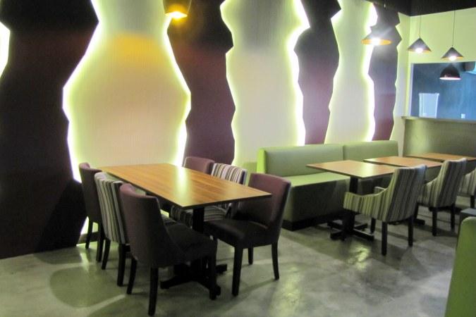 restaurants furniture Restaurant Amytheist KASHMIR CHAIR - PUBLIKA DINING TABLE