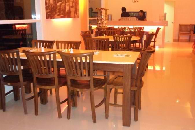 restaurants furniture Ayn Zam Zam Restaurant CONCORDE CHAIR - KOORG MARBLETOP TABLE