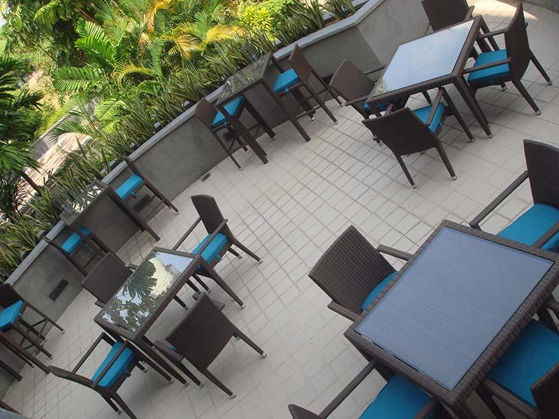 hotels furniture Pan Pacific Hotel PANAMA BAR TABLE - PANAMA BAR CHAIR - HAWAII GLASSTOP TABLE - HAWAII CHAIR