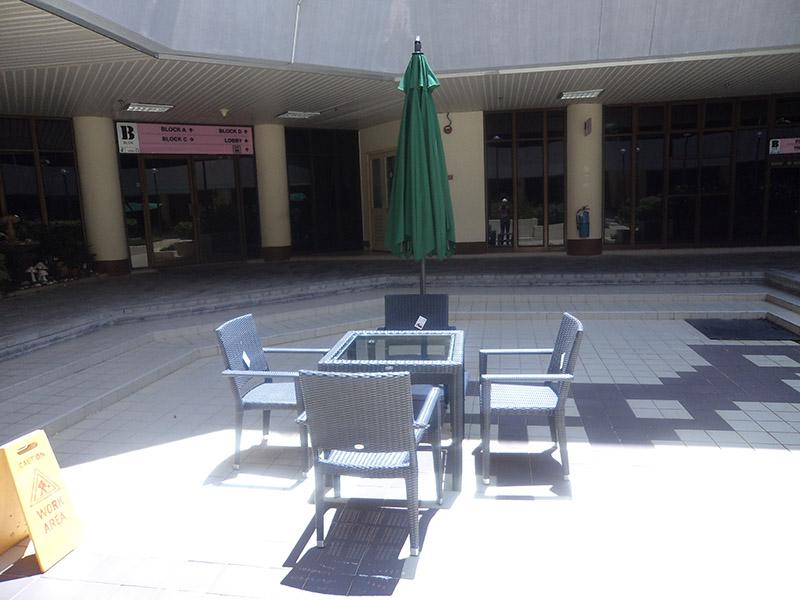 hotels furniture Petronas PANAMA GLASSTOP TABLE - HAWAII ARM CHAIR