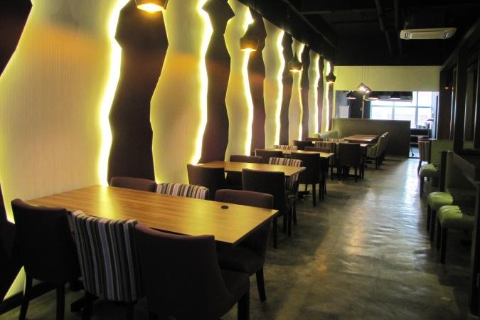 restaurants furniture Restaurant Amytheist PUBLIKA DINING TABLE - KASHMIR CHAIR