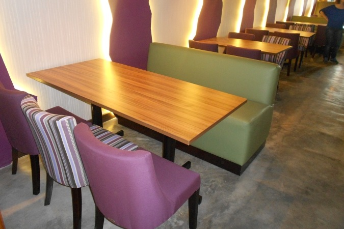 restaurant-dining-sofa-furniture.jpg