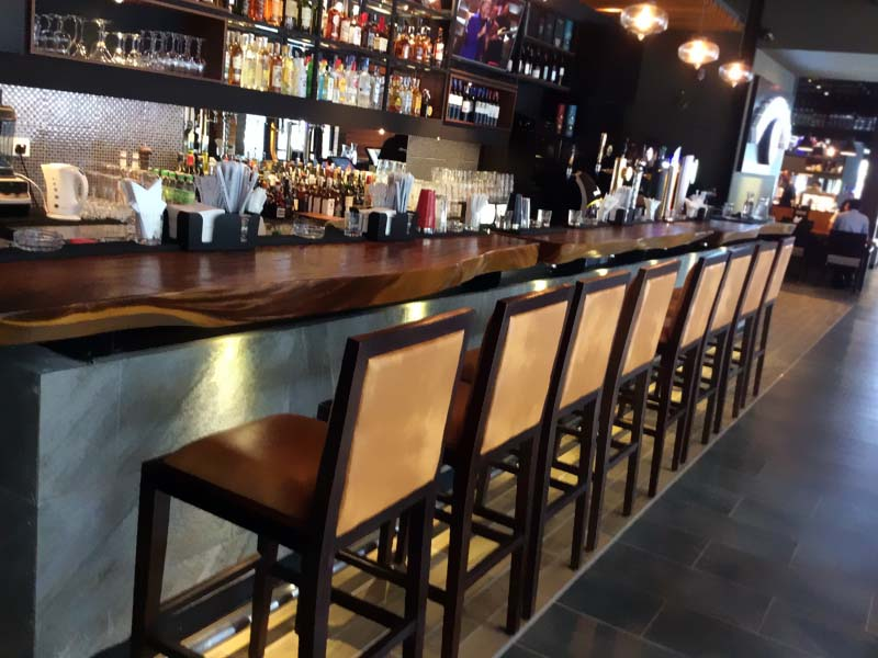 restaurants_healy-macs-12-bar_furniture_240.jpg