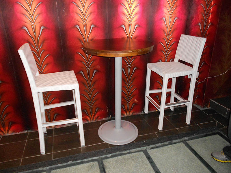 restaurants furniture I BIZA CLUB KL BALI BAR CHAIR - BAHAMAS BAR TABLE