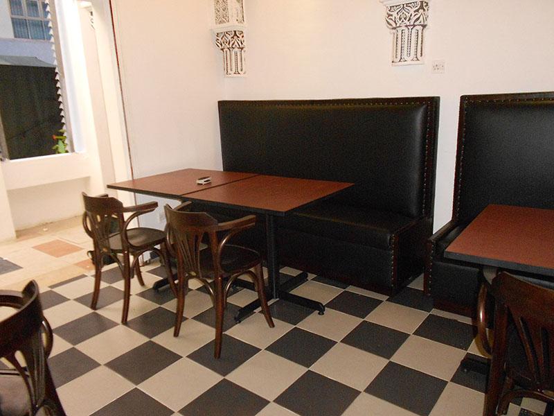 restaurants furniture Madfoon Palace VIP BOOTH - PUBLIKA DINING TABLE - BIJAN CHAIR