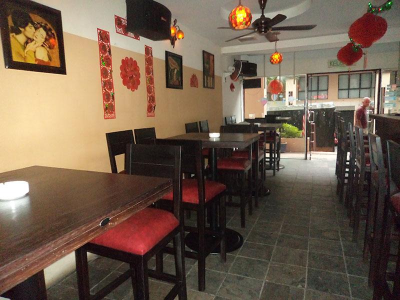 restaurants furniture Red Onions GRENADA BAR CHAIR - BAHAMAS BAR TABLE