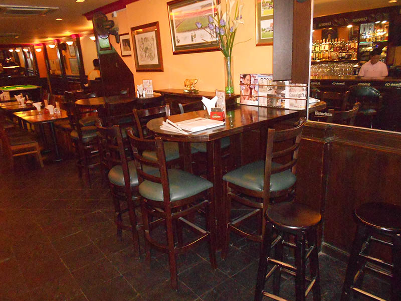 restaurants_ronnie-q_furniture_626.jpg