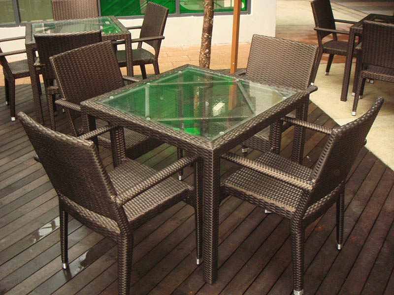 restaurants furniture ROULLETTE HAWAII ARM CHAIR - PANAMA GLASSTOP TABLE