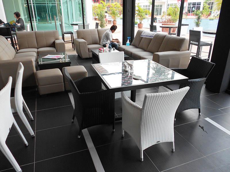 restaurants furniture ROULLETTE VENICE ARM CHAIR
