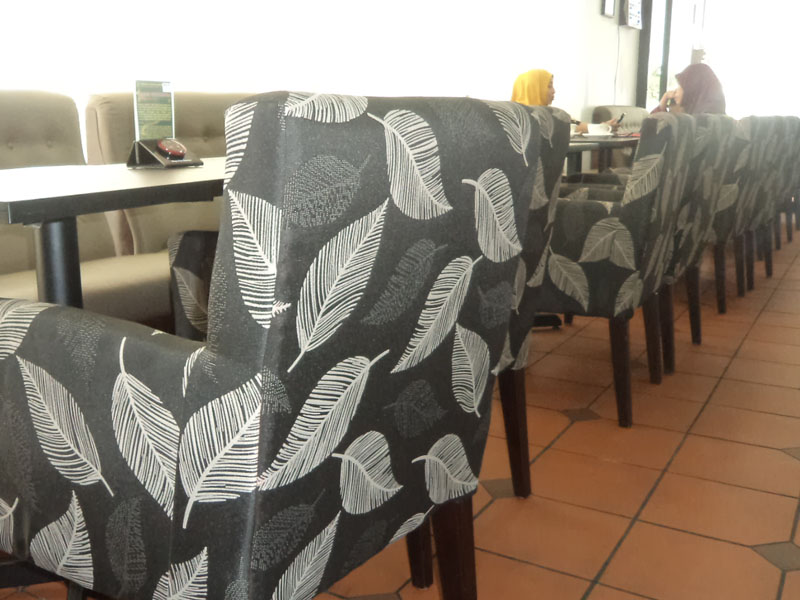 restaurants furniture Segamat Rel Cafe TRINITY CHAIR - PUBLIKA DINING TABLE
