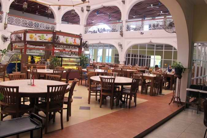 restaurants furniture Al Rawsha Restaurant CONCORDE CHAIR - KOPITIAM DINING TABLE D100