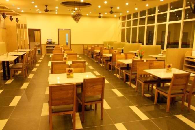 restaurants furniture Dima Restaurant RITZ DINING TABLE - SAKURA CHAIR