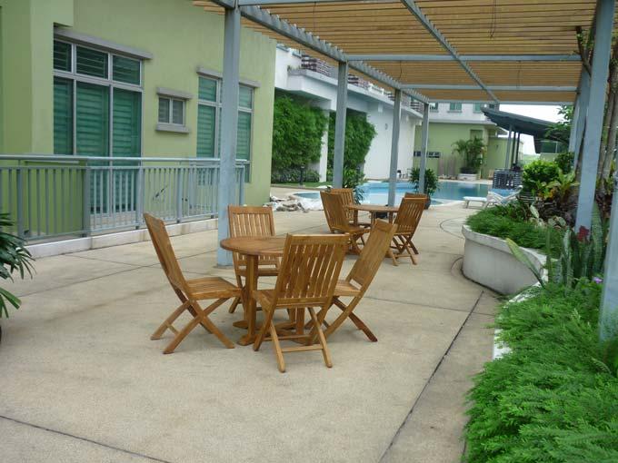 condominiums furniture Etiara - Service Apartments TIARA ROUND TABLE - TIARA FOLDING CHAIR