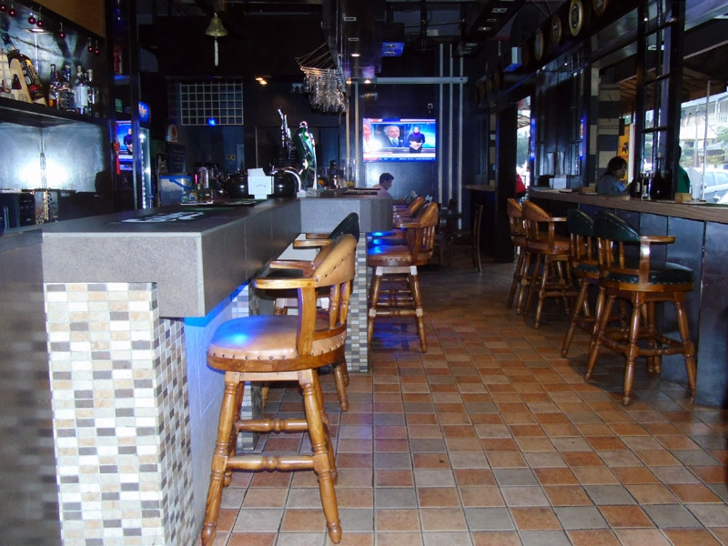 travellers-pub-and-lounge_restaurants_104.jpg