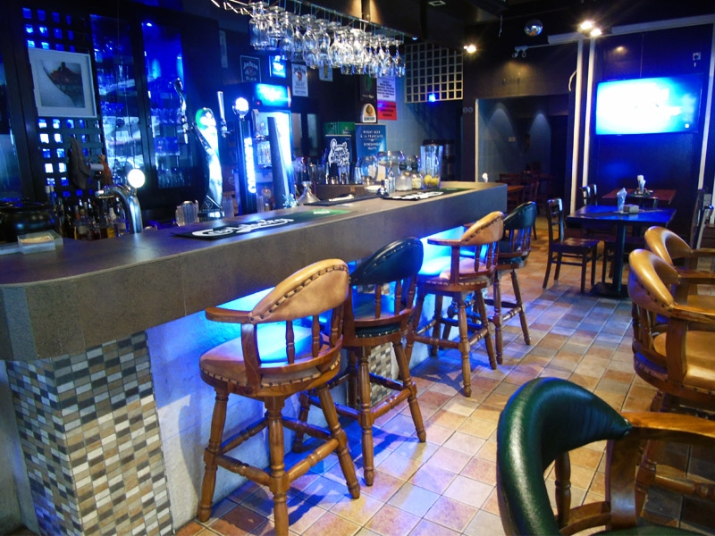 travellers-pub-and-lounge_restaurants_525.jpg