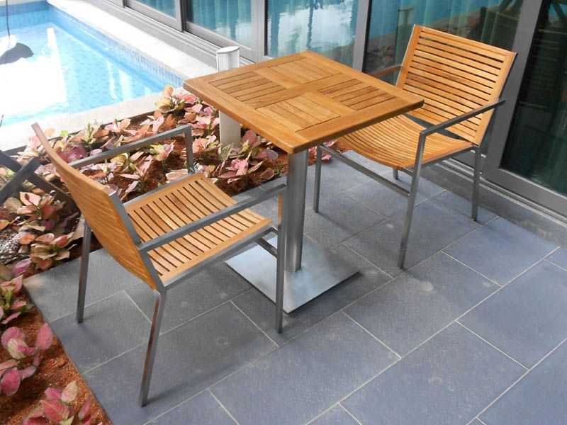 product using Teak + Stainless Steal material